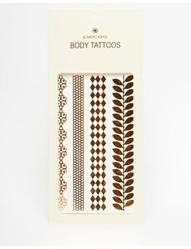 pieces-–-klebe-tattoos-im-blattdesign-in-gold-metallic by pieces