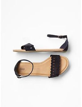 scalloped-sandals by gap