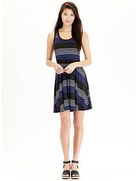 womens-patterned-sleeveless-dresses by old-navy
