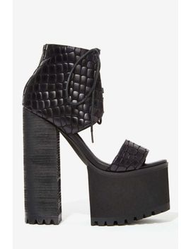 jennifer-chou-venice-leather-platform by nasty-gal