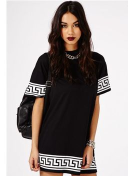 kikita-greek-key-print-oversized-t-shirt-dress-in-black by missguided