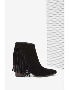 steve-madden-country-suede-fringe-bootie by nasty-gal