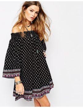 glamorous-off-shoulder-dress-in-border-print by glamorous