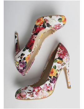 grand-entrance-floral-heels by ruche