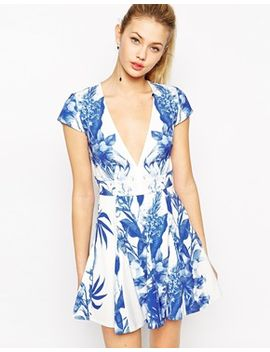 stylestalker-blue-me-away-print-dress-with-plunge-neckline by stylestalker