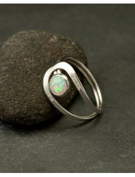 opal-ring,-silver-opal-ring,-white-opal-ring,-opal-gemstone-ring,-sterling-silver-stone-ring,-handmade-sterling-silver-jewelry by artulia