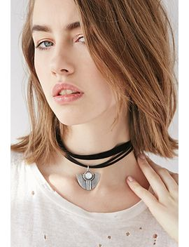 faux-stone-pendant-choker by forever-21