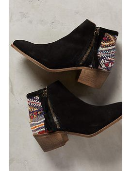 howsty-tahirah-booties by howsty
