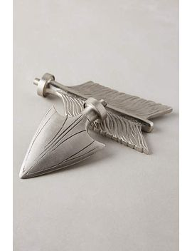 bow-&-arrow-finials by anthropologie