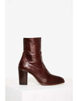 Crosswalk Pico Ankle Boot   Brown by Nasty Gal