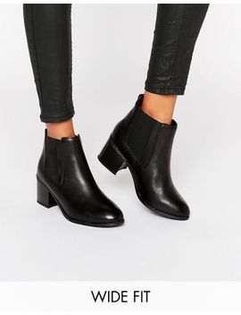 new-look-wide-fit-leather-chelsea-boot by new-look
