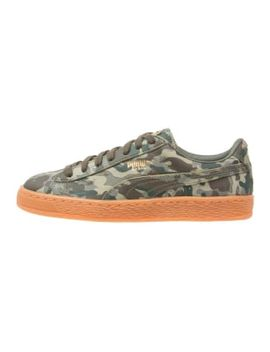 basket-classic---sneakers-laag---burnt-olive_forest-night by puma