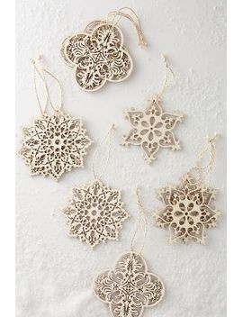 wooden-snowflake-ornament-set by anthropologie
