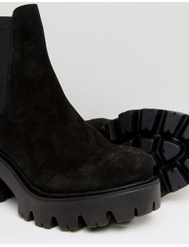 new-look-velvet-chunky-boot by new-look