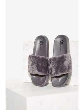 lfl-by-lust-for-life-fine-thanks-faux-fur-slide-sandal---gray by nasty-gal