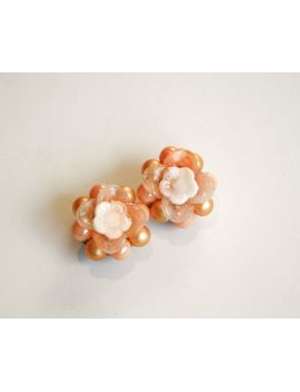 vintage-peach-clip-earrings by kleindesignvintage