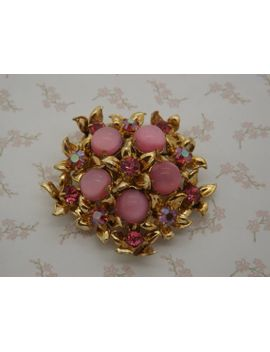 a-very-fine-multi-flower-head-design-vintage-jewelry-brooch-in-goldtone-metal-set-with-opaque-and-sparkly-aurora-borealis-pink-glass-stones by vintagejewelleryetc