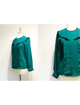 vintage-kelly-green-pleated-crepe-chiffon-top by tobedetermined