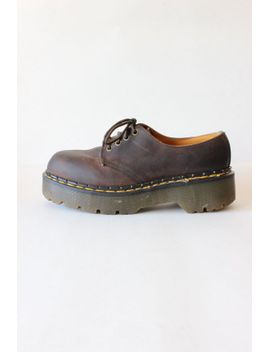 vintage-1990s-dr-martens-brown-leather-platform-lace-up-oxfords,-size-uk6-us8 by tobedetermined