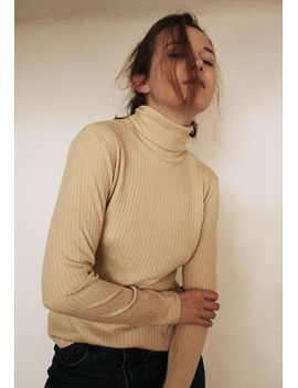 vintage-turtleneck-ribbed-top by leontina