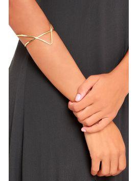vogue-gold-cuff-bracelet by lulus