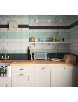 Shoptagr | Wickes Metro White Ceramic Tile 200 X 100mm by Wickes