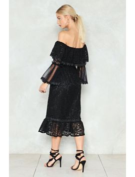look-whos-tier-lace-dress by nasty-gal