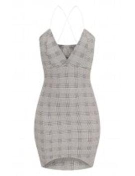 black-cross-back-plunge-curve-hem-bodycon-dress by prettylittlething