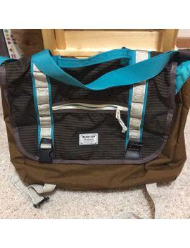 burton-over-the-shoulder-bag by burton