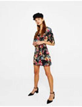 vestido-curto-com-print-floral by bershka