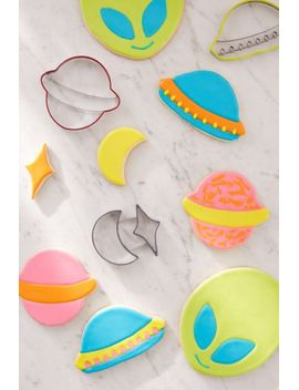 outer-space-cookie-cutter-set by urban-outfitters