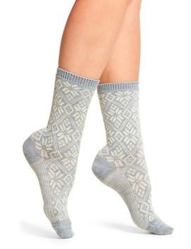 traditional-snowflake-crew-socks by smartwool
