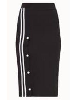 black-popper-stripe-midi-skirt by prettylittlething